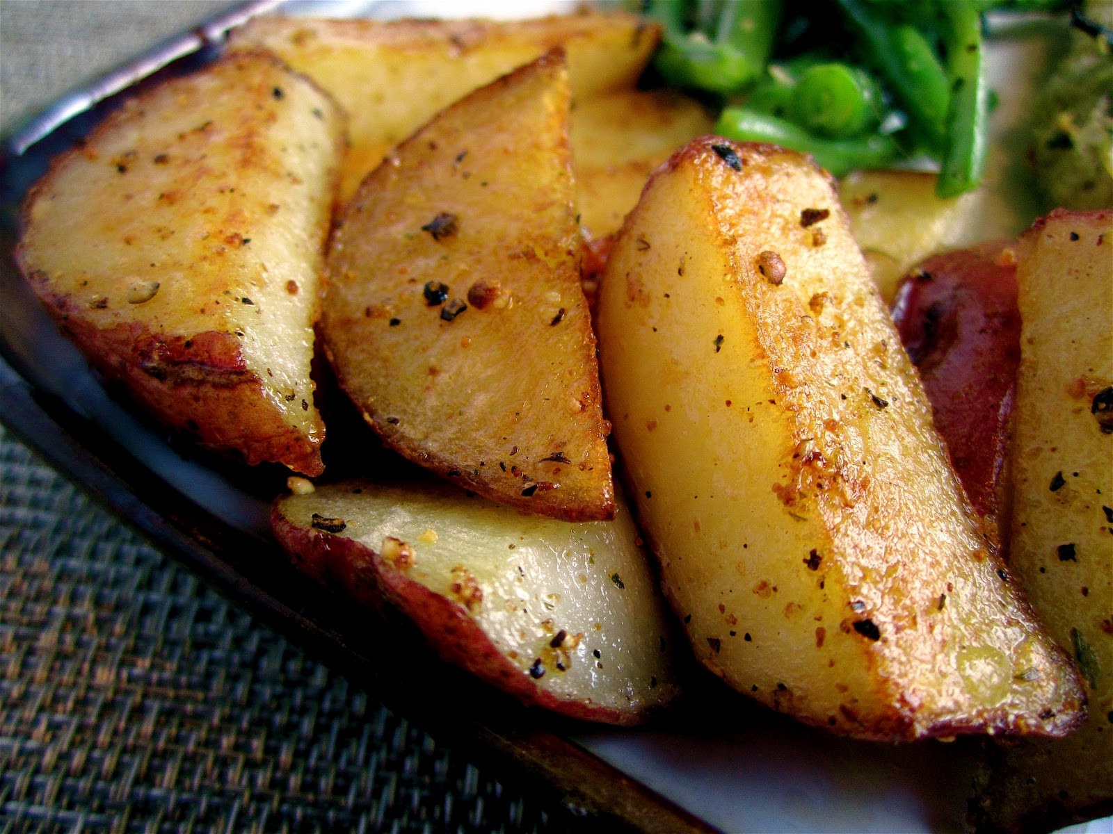 Stephanie Cooks: Crispy Skillet Potatoes