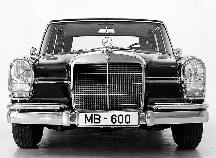 Classic cars mercedes classic cars for Mercedes benz vintage cars