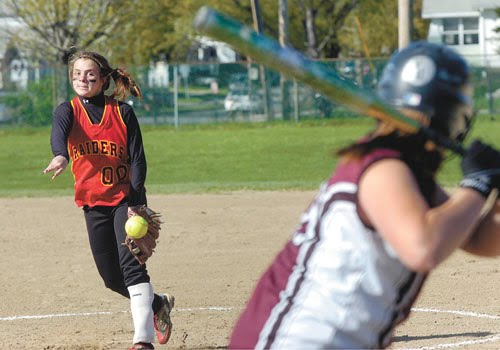 voorheesville single girls Albany academy beat voorheesville 12-2 ben seiler and ej birch combined to hold the black horses to four hits cadan awad hit a walk-off single to push saratoga central catholic past .