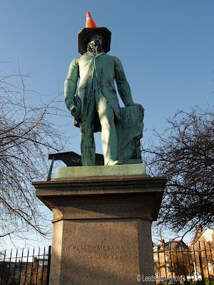 Statue Sir Peter Fairbairn Leeds