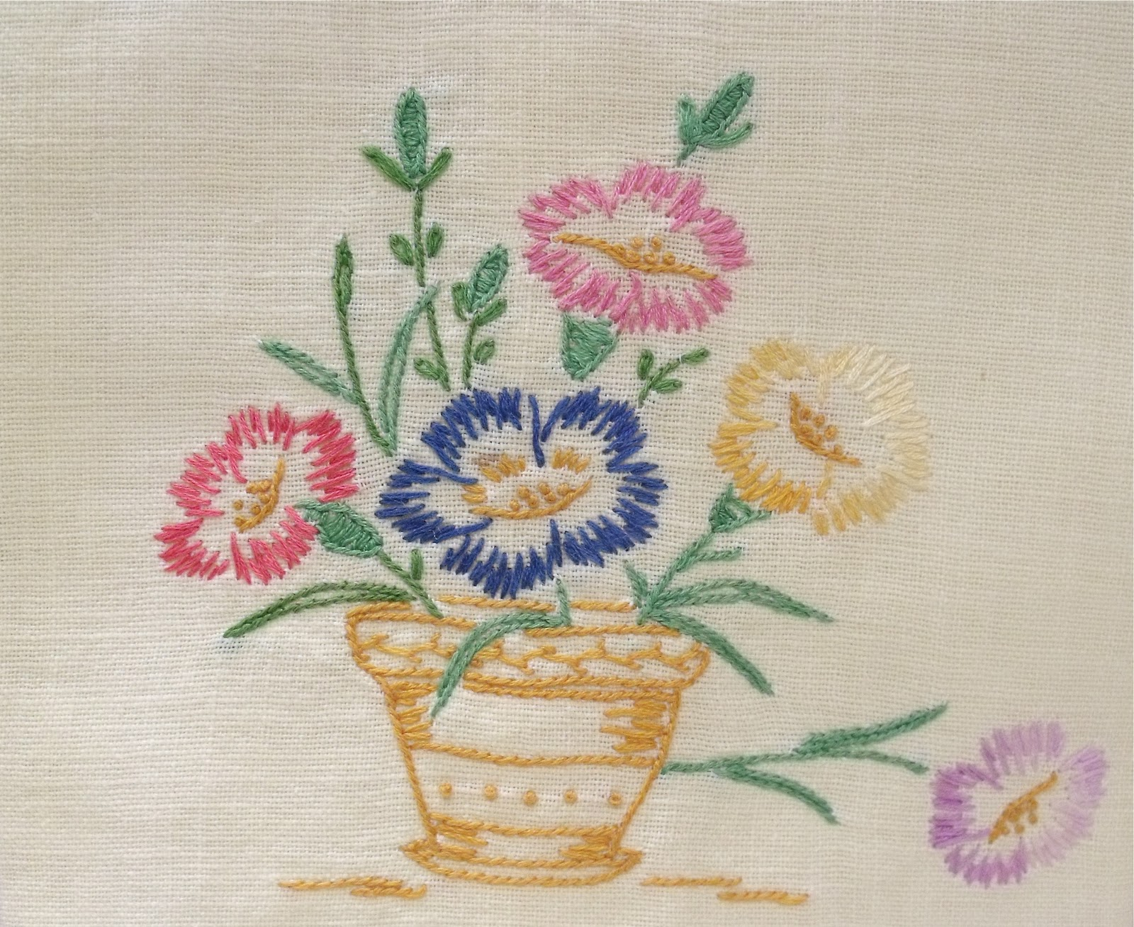 Bed sheet designs hand embroidery - A Lovely Hand Embroidered Linen Towel The Linen Is A Pale Yellow