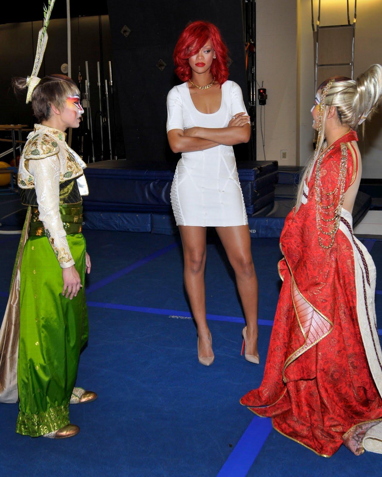 http://3.bp.blogspot.com/_rPuhgiGm-xw/TKtyKPPpvPI/AAAAAAAABv0/m_3FPpKDU-Q/s1600/Rihanna-and-Katty-Perry-8.jpg