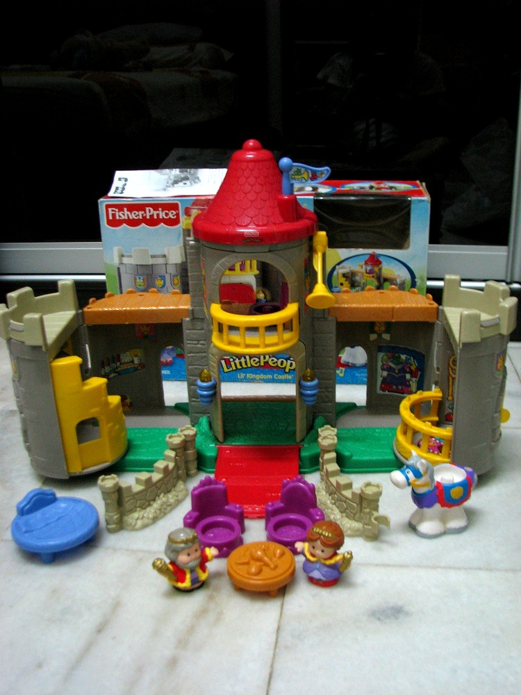 kiddy parlour sold gallery fisher price little people lil kingdom