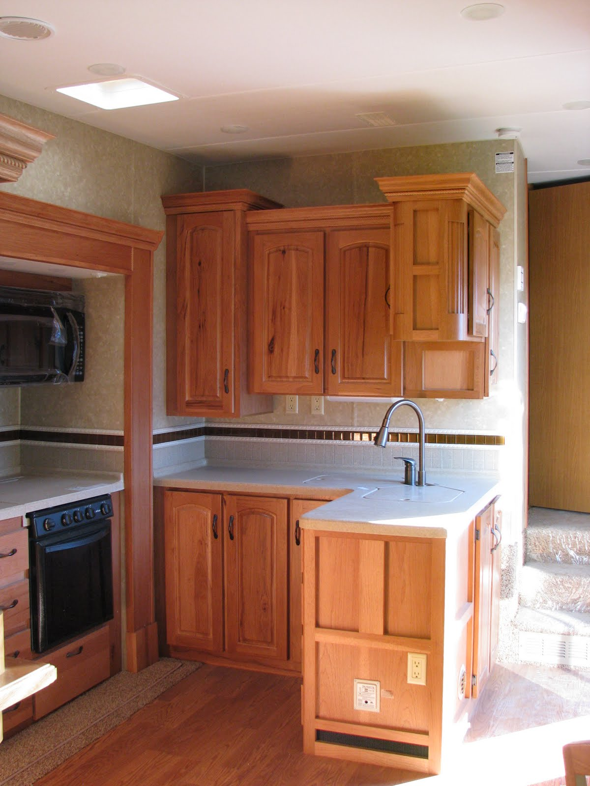RV Sales in Moriarty, New Mexico: Excel\'s new 36CFE