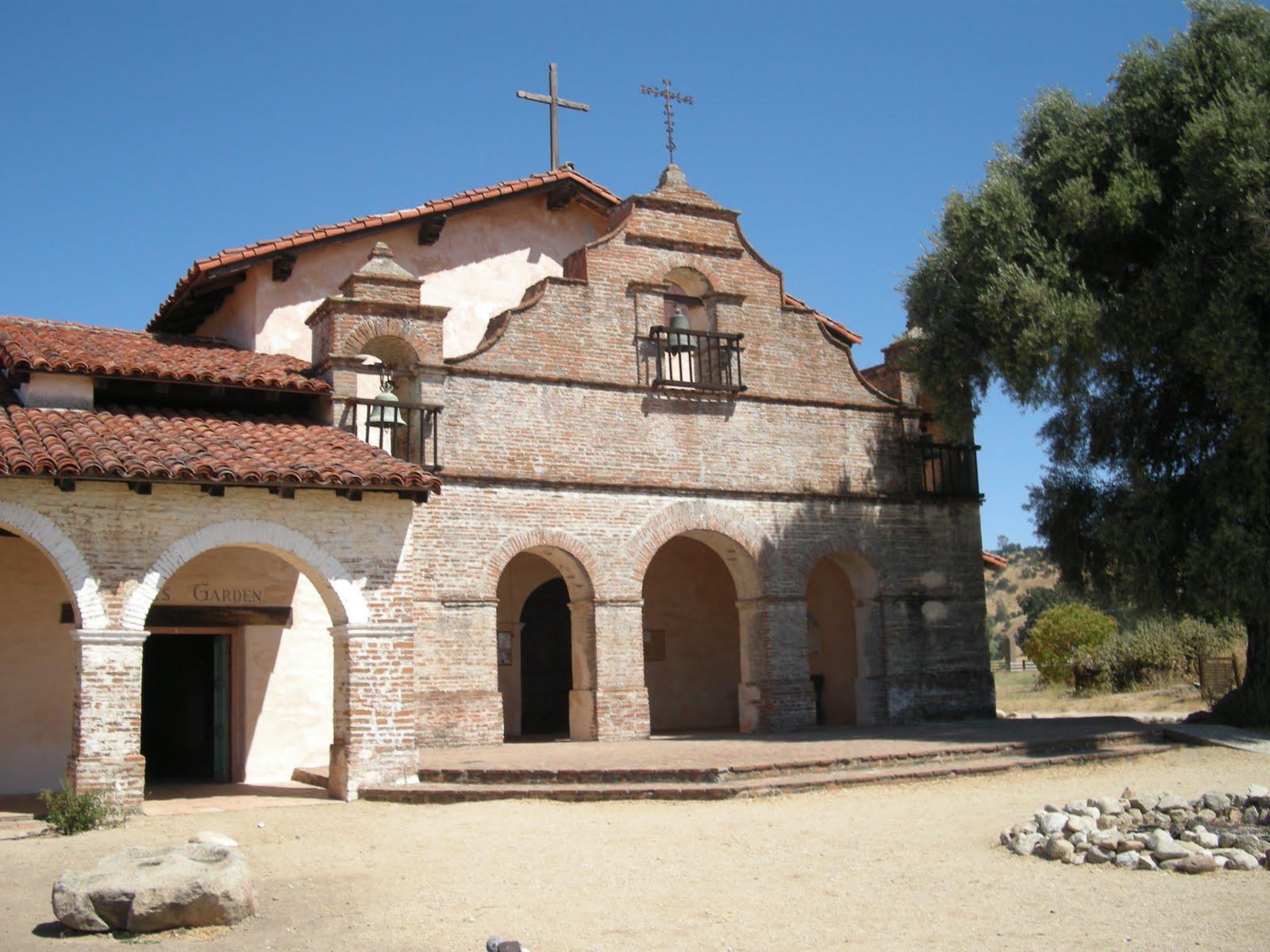 Mission+San+Antonio+de+Padua.jpg
