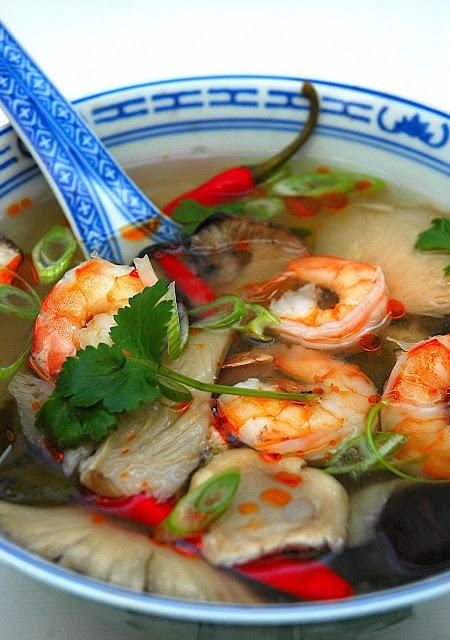 Tom Yum Goong ( Spicy Thai Prawn Broth) – Recipe Silwood Kitchen