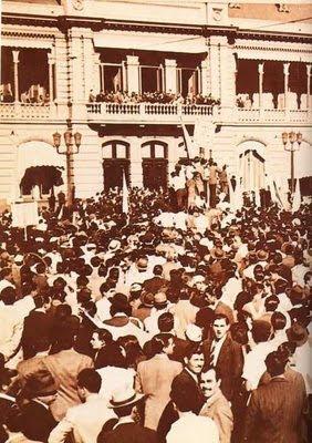 \u0026quot;Alpargatas sí, libros no\u0026quot;. Grito pronunciado por peronistas que marchaban por el centro de La Plata el 17 de octubre de 1945, al pasar por la calle 7 y