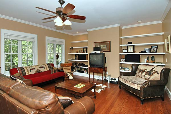 Home Family Room Design
