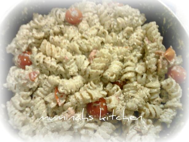 Muminahs Kitchen مطبخ مؤمنة: Creamy Pesto Rotelle