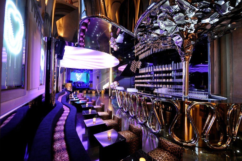 Augusta twenty champagne wishes and cavalli dreams for Cavalli club milano