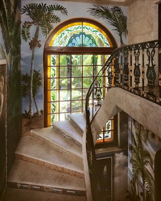 Sweeter homes casa casuarina gianni versace 39 s miami for Versace mansion miami tour