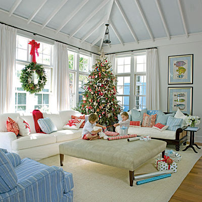 Sweeter homes decorating a beach house for christmas for How to decorate a beach house
