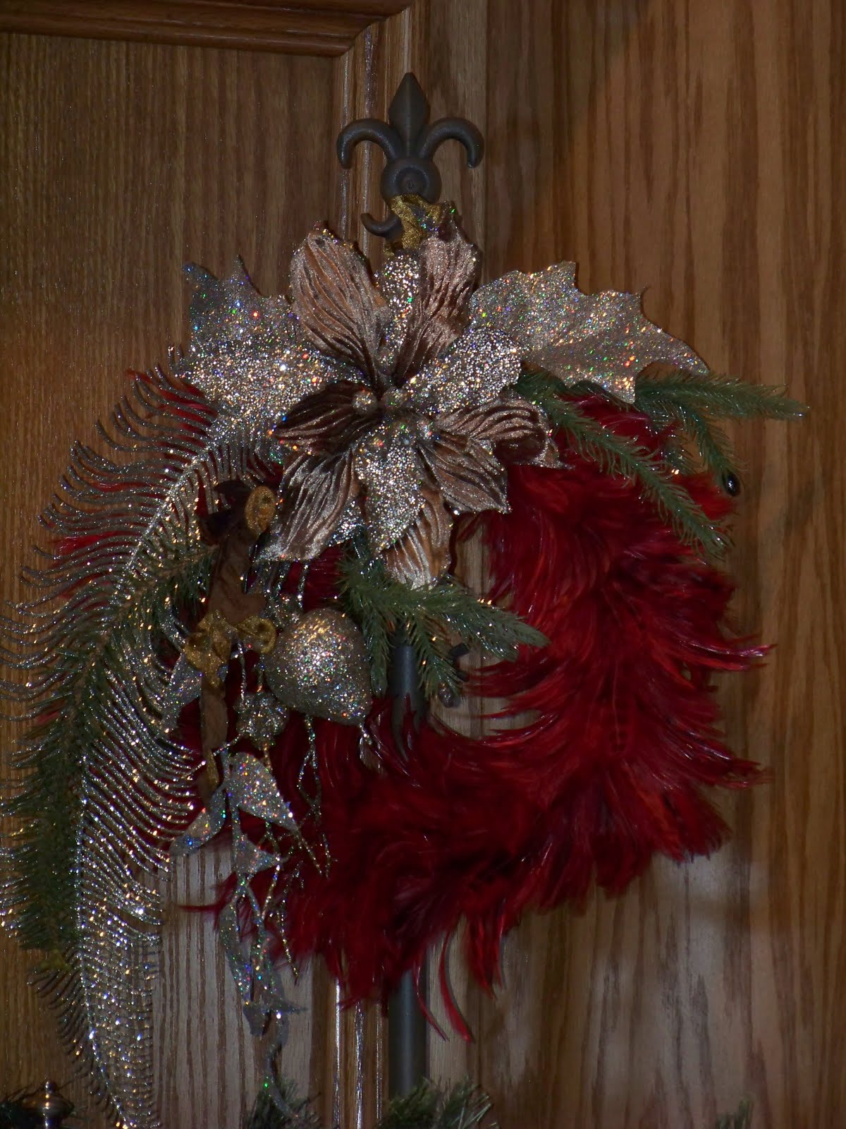 Christmas Feather Wreaths title=