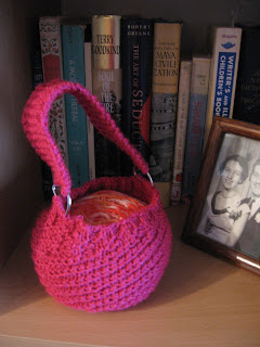 knitted yarn holder