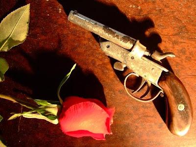 http://3.bp.blogspot.com/_r_rpBTp9BEk/SIrBPwZn7OI/AAAAAAAAABg/lQQt5iaY90w/s1600/amor+e+odio.jpg