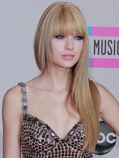 Taylor Swift Natural Hair, Long Hairstyle 2011, Hairstyle 2011, New Long Hairstyle 2011, Celebrity Long Hairstyles 2061