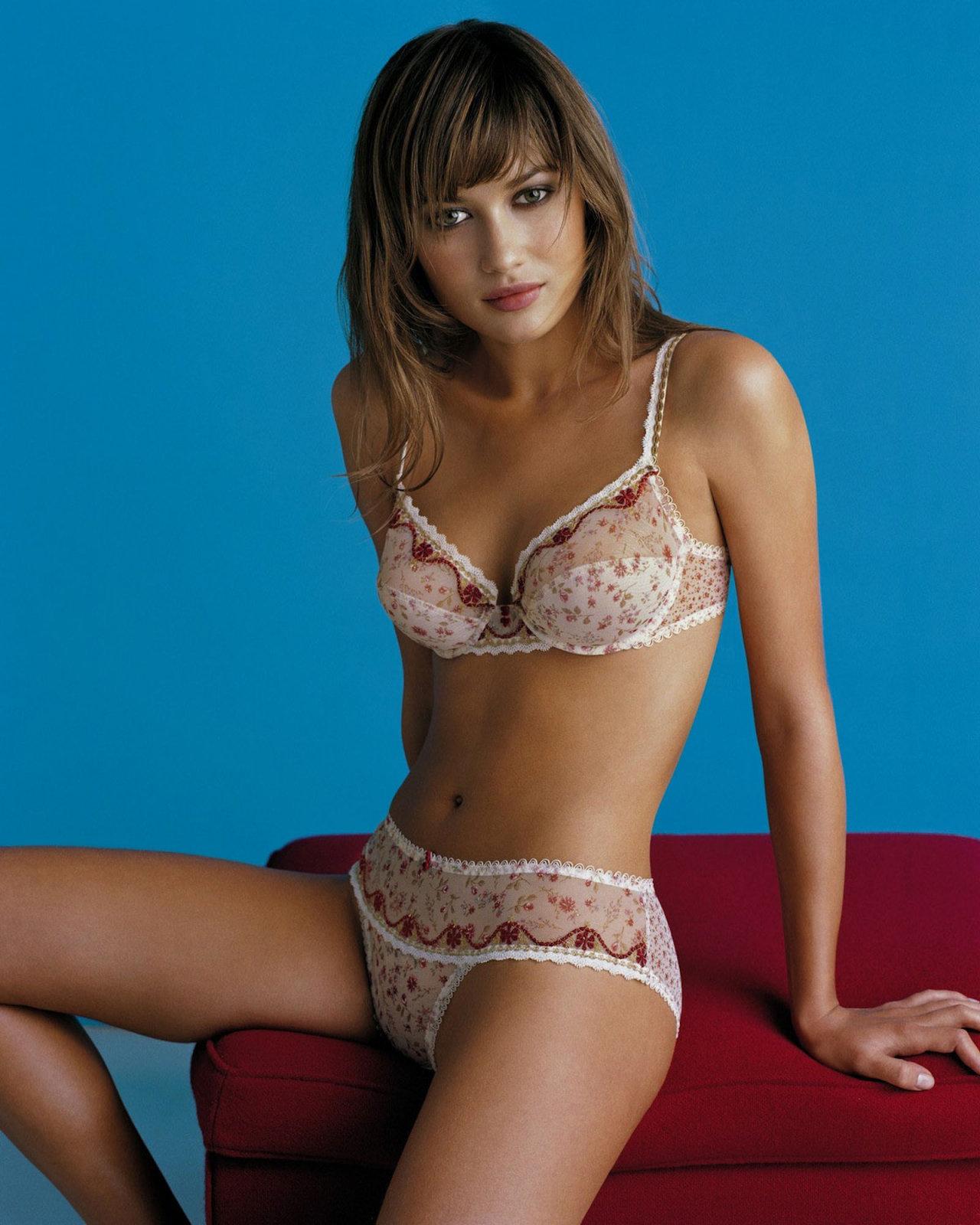 Olga Kurylenko Sexy 39