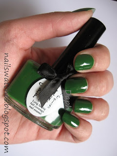 ciaté stiletto green jelly nail polish nail swatches winter collection 2009/2010 nailswatches