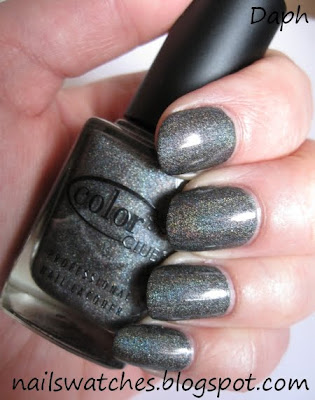 color club worth the risque risk silver holographic wild at heart nail polish collection nailswatches revvvolution femme fatale collection charcoal holographic holo