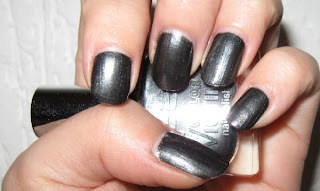 P2 Spacy Gun grey frost metallic nail polish swatch nailswatches germand brands