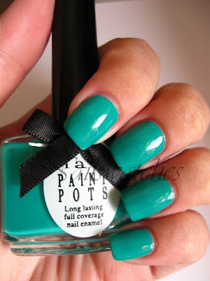 ciaté ditch the heels green teal bright creme nailpolish swatch nailswatches festival fever summer 2010 review