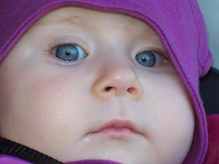 Les plus beaux yeux bleus au monde ( avec ceux de son frère)