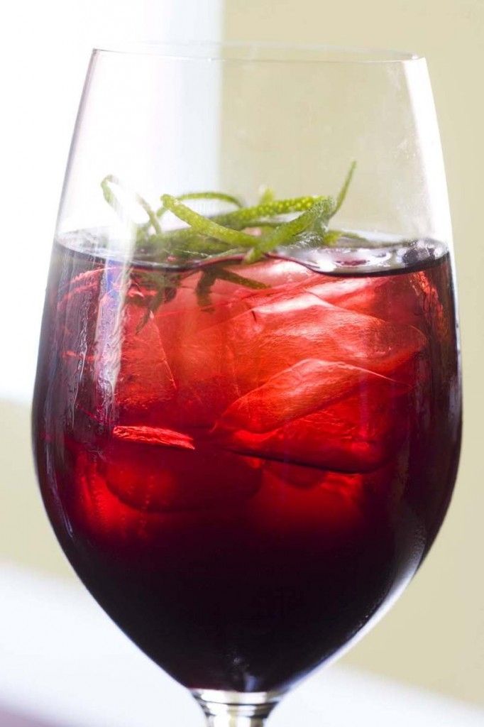 Delicious Iced Hibiscus Tea with Lime