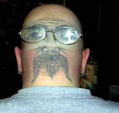 los tipos de tatuajes.  con un tatuador y te puedes crear un segundo rostro tatuaje en cabeza