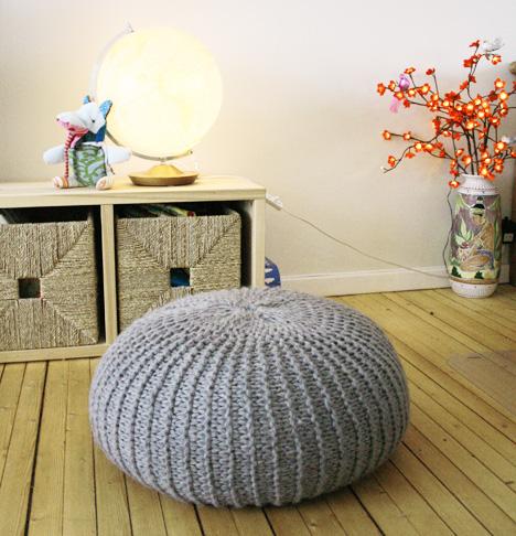 напольные подушки в дизайне интерьера