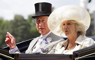 Camilla y su tocado
