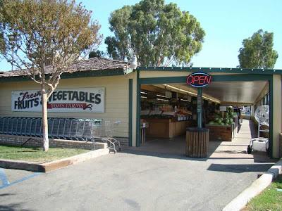 Tom's Farm Produce Stand