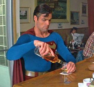 superman, borracho, vicioso