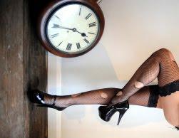 el tiempo y las piernas femeninas