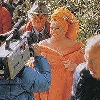 Anita Ekberg y Federico Fellini en el rodaje de Entrevista
