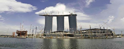 http://3.bp.blogspot.com/_rku6deQBORg/S2IAVC0yZhI/AAAAAAAALuE/EopdQcxx7YQ/s400/Marina+Bay+Sands+under+construction+II.jpg