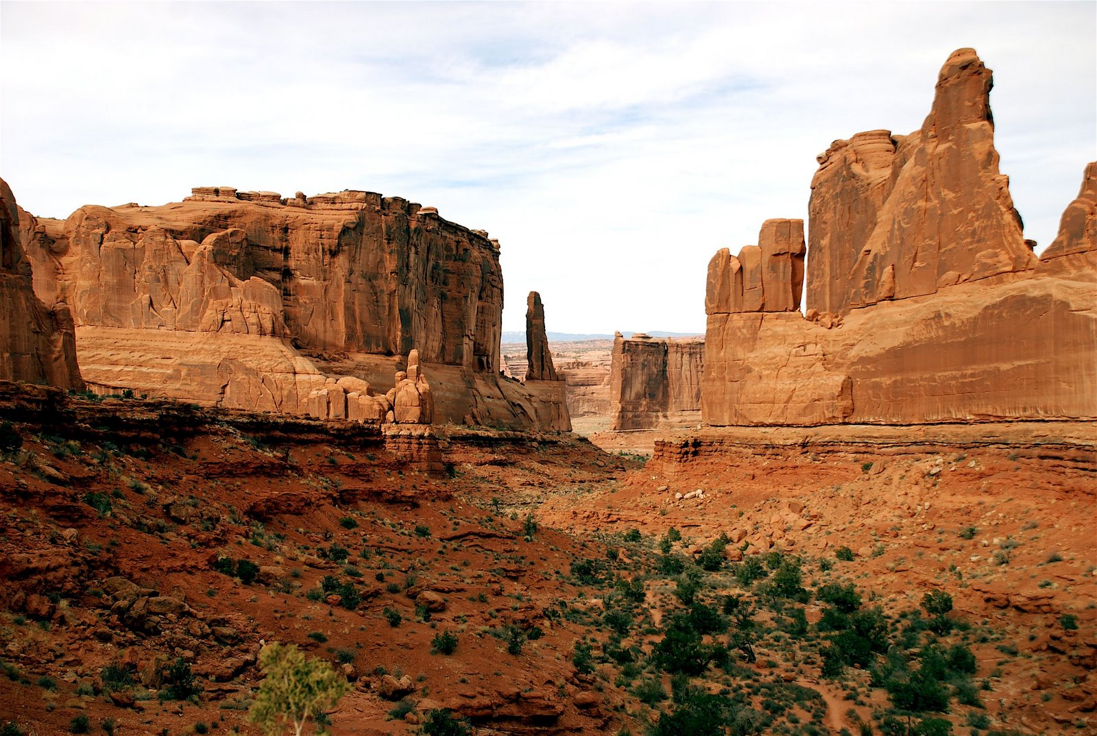 moab utah dating Ancient human skeletons made a fascinating discovery in a moab, utah copper p225) but the methodology for dating rock layers largely protects evolution from.