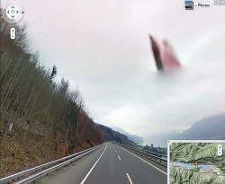 Google Street Merekam Penampakan Tuhan
