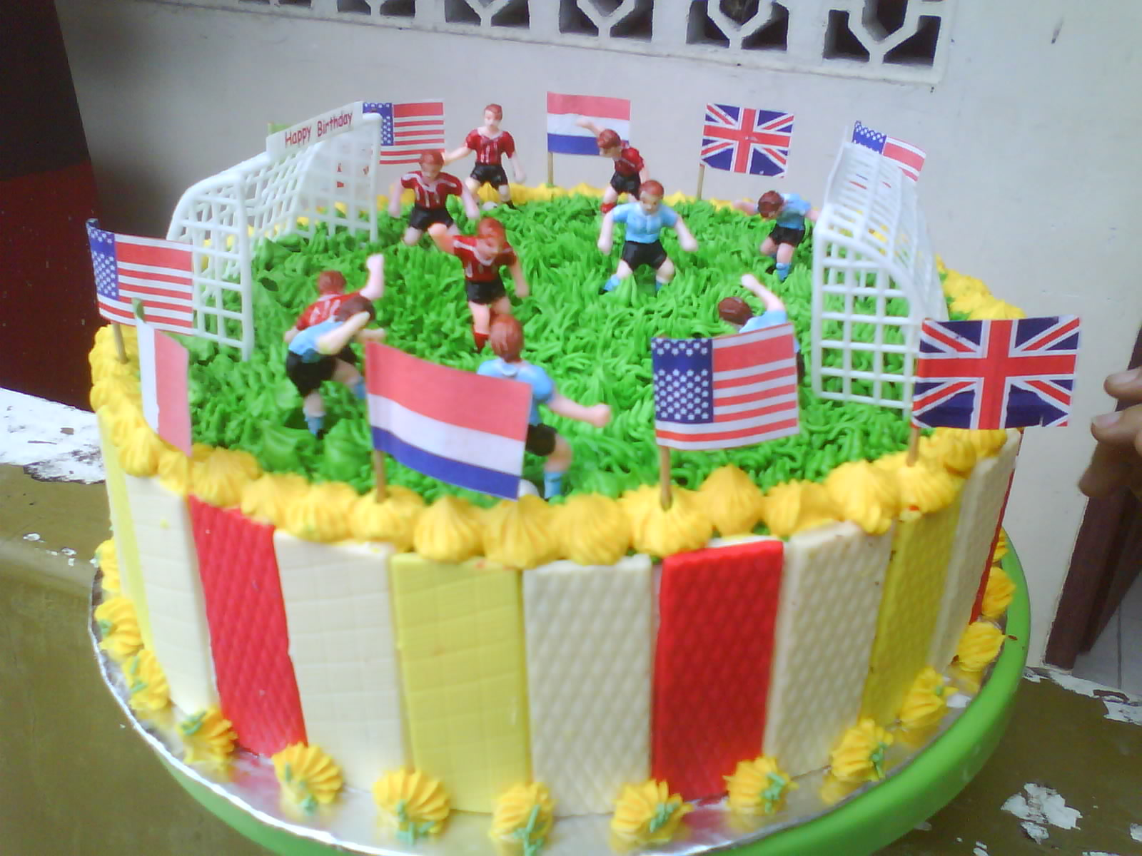 Pin Kue Tart Ultah cake picture for pinterest and other social ...