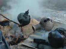 haciendo reducción-ceramica negra-