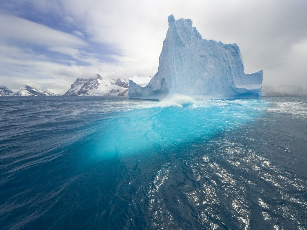 http://3.bp.blogspot.com/_roLIVZ7viOw/S-A6Yuom2gI/AAAAAAAAAEM/p8t0qZg8AEg/s1600/blue_tall_iceberg-07ac_1024x768.jpg