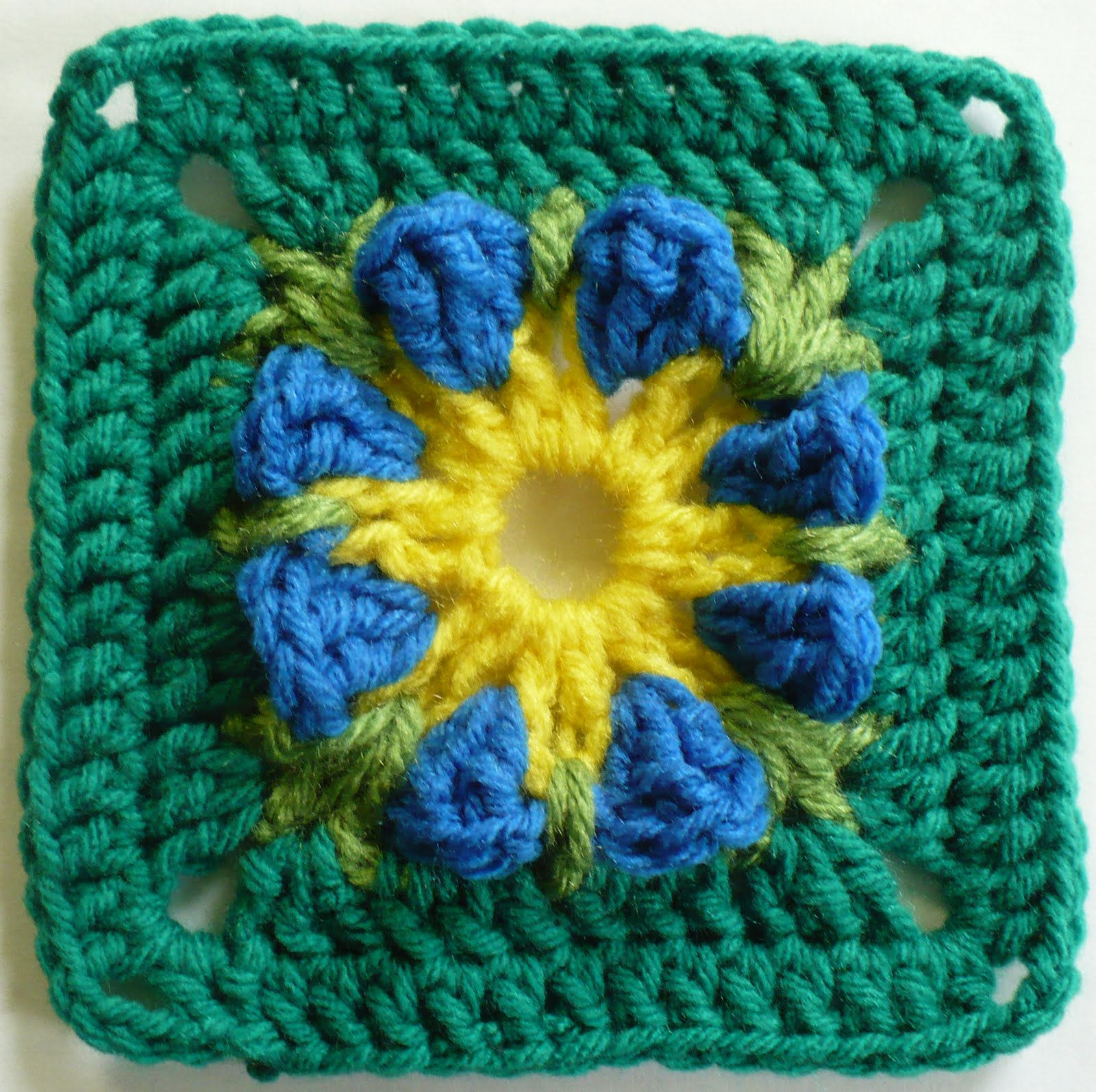 Rainbow Outlines Granny Square – Free Crochet Pattern for a