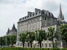 Pau: Buildings along Boulevard des Pyrénées