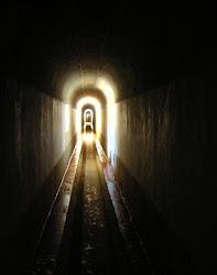 Há uma luz no fim do túnel