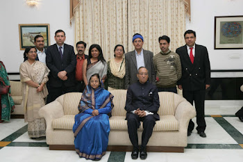 AN SHIBLI WITH PRESIDENT OF INDIA PRATIBHA PATIL