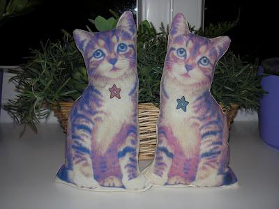Mici e coccole cuscini gatti country e blog candy for Cucito creativo gatti