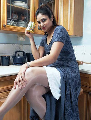 Tamil Hot Aunty Photos without saree