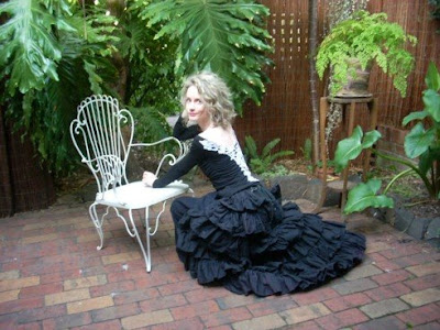 Balcony Garden Dreaming: Gothic balcony gardening photo shoot ...