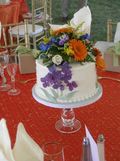 Wedding Cake Centerpieces Looking For Something Different And Fun Your Reception Why Not Do Small Cakes At Each Table As
