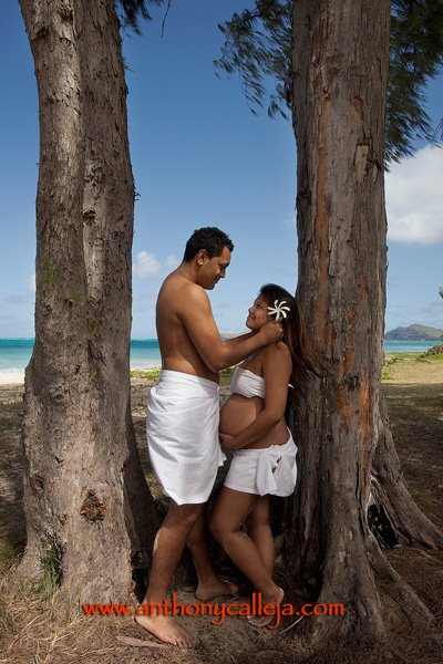 Maternity Photographers on Hawaii