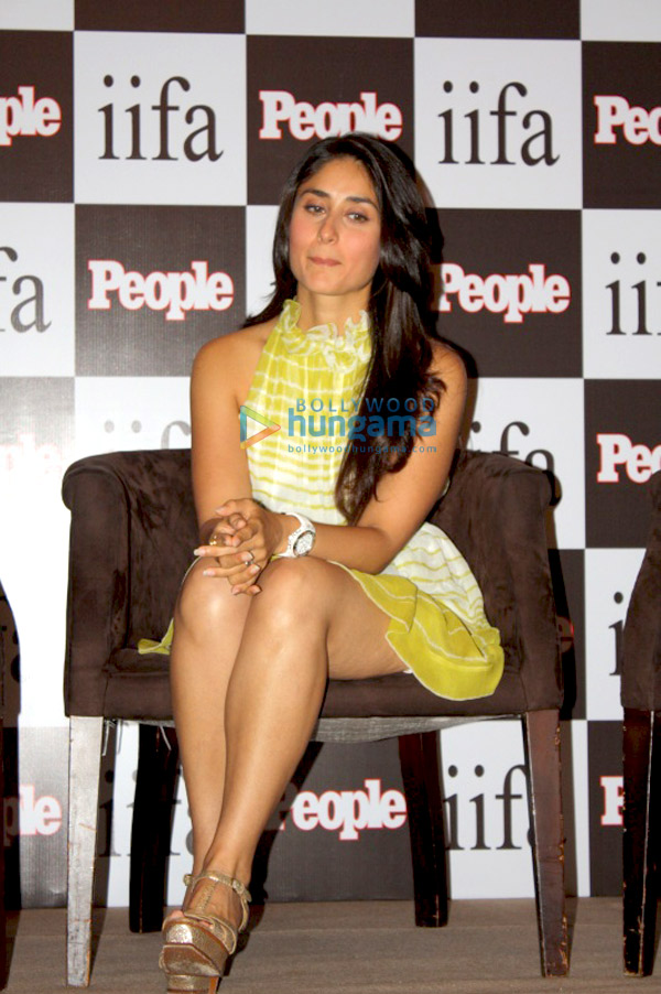 Kareena Kapoor latest hot legs and hot thighs show - Almost Upskirt